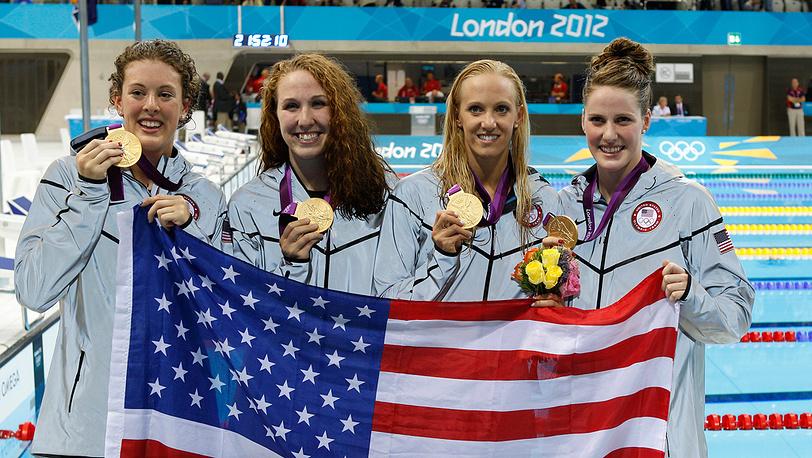Американские спортсменки победили в плавании в эстафете 4х200 м вольным стилем