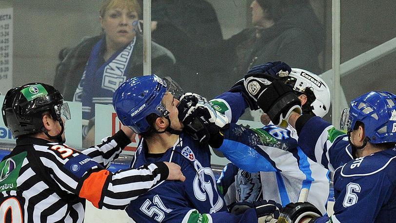Потасовка хоккеистов