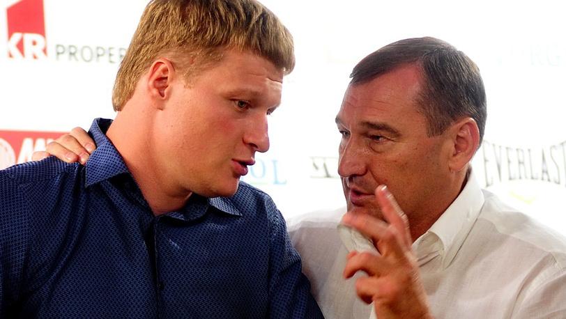 Поветкин и вице-президент Федерации профессионального бокса России Анатолий Петров