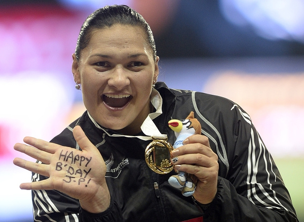 Валери Адамс из Новой Зеландии одержала победу в толкании ядра