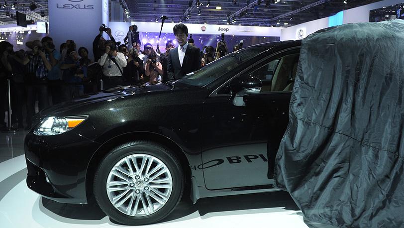 Новый седан Lexus ES 350