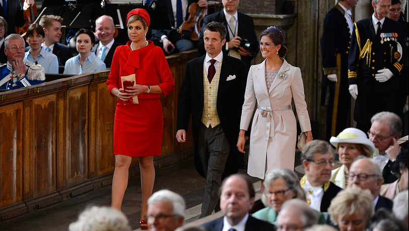 Наследная принцесса Нидерландов Максима, наследный принц Дании Фредерик и принцесса Мадлен из Швеции на церемонии крещения принцессы Эстель