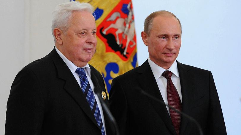 Специалист в области конструкционной прочности материалов для атомной энергетики Георгий Карзов (слева)