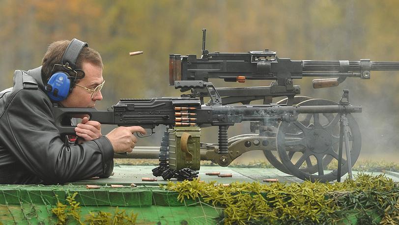 Дмитрий Медведев на полигоне