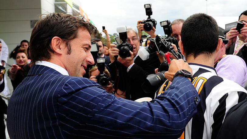 Итальянский футболист Алессандро Дель Пьеро (слева) прибыл на скачки
