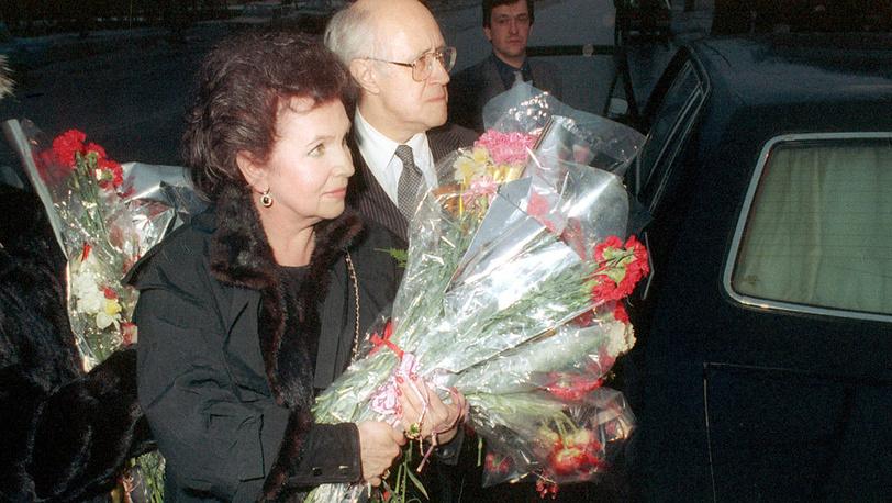 Галина Вишневская и Мстислав Ростропович возвращаются в Россию после 16-и лет вынужденной эмиграции