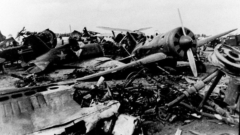 Советская авиатехника после удара