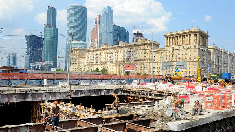 Реконструкция Кутузовского проспекта. Фото ИТАР-ТАСС/Павел Смертин