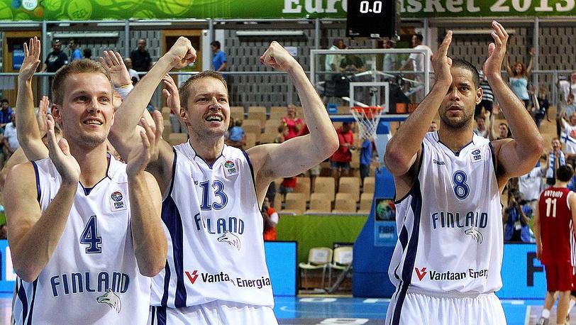 Ликование финских игроков после матча