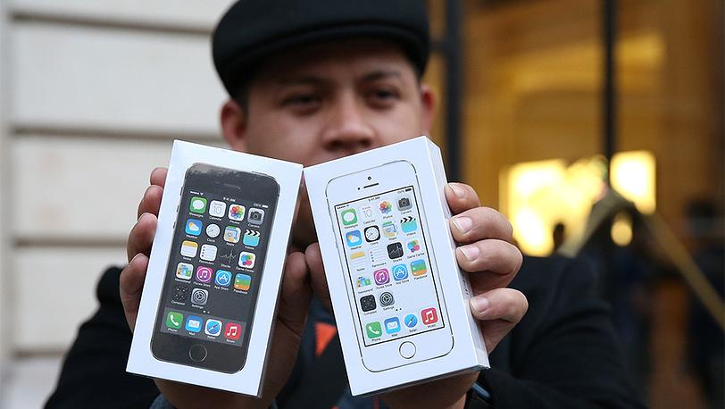 Магазин Apple в Париже. Фото EPA/CHRISTOPHE KARABA