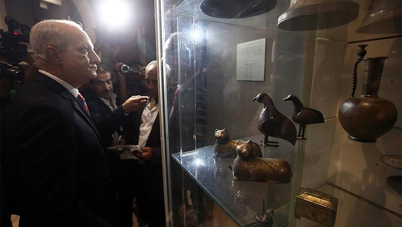 Министр по делам древностей Мухаммед Ибрагим в Египетском музее. Фото EPA/KHALED ELFIQI