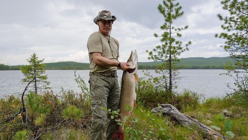 Во время рыбалки в одном из национальных заповедников Тывы. Фото ИТАР-ТАСС/ Алексей Никольский