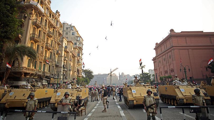 Митинг в Каире, приуроченный к 40-летию начала арабо-израильской войны. Фото AP Photo/Khalil Hamra