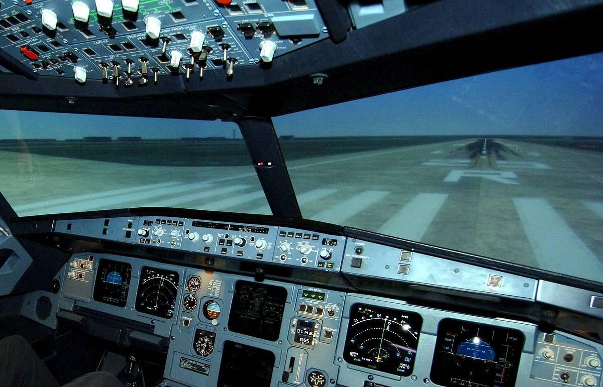 СМИ: ИГ готовит в ливийском Сирте летчиков на новых авиационных тренажерах