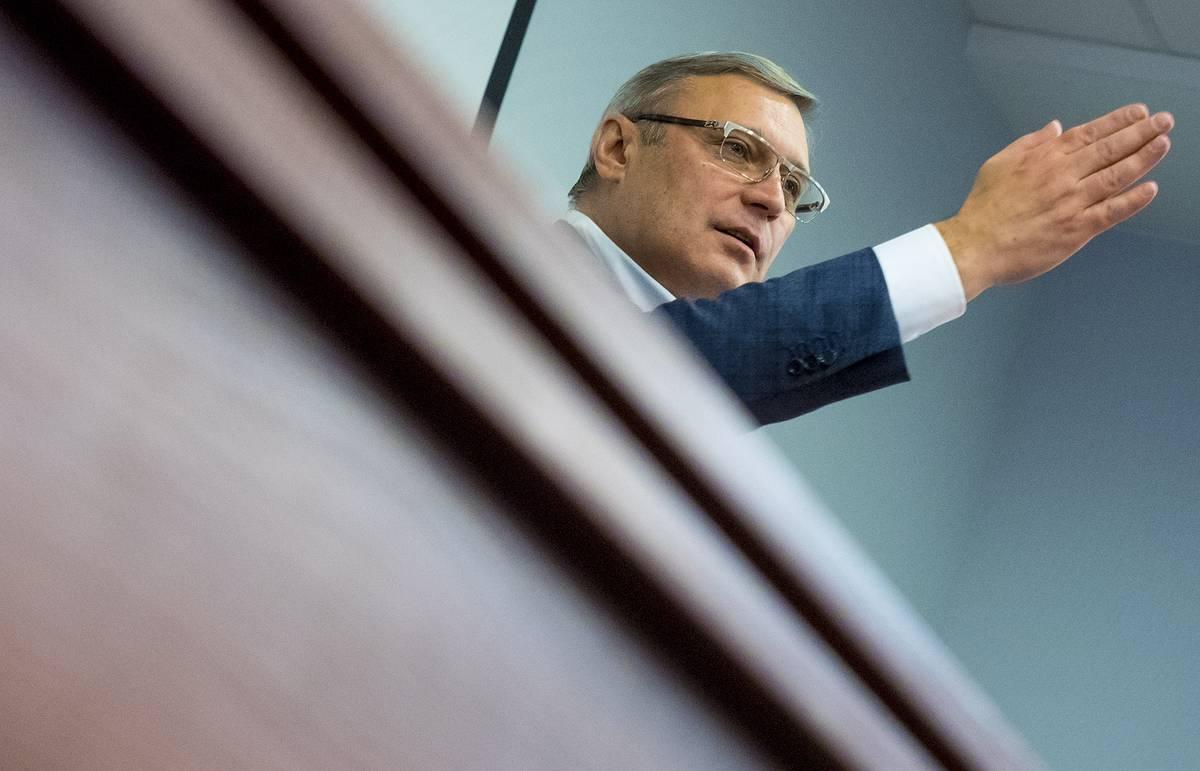 Машину Касьянова во Владимире закидали яйцами