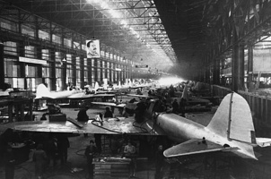 Сборка самолетов . 1943 г.