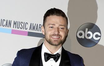 Джастин Тимберлейк 24 ноября 2013 во время вручения призов American Music Awards