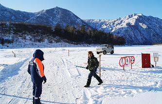 Ледовая переправа в Республике Алтай