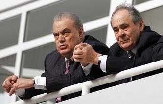 Евгений Богачев (слева)