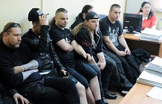 Музыканты группы Behemoth в здании Октябрьского районного суда Екатеринбурга