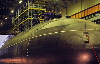 """Во время спуска на воду головной дизель-электрической подводной лодки модернизированного проекта 636.3 «Новороссийск» на территории ОАО """"Амиралтейские верфи"""""""