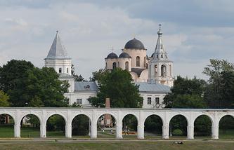 Великий Новгород. Вид на Ярославово дворище и Торг