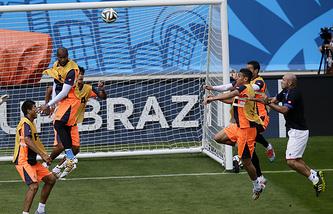 Футболисты сборной Коста-Рики на тренировке