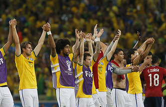 Сборная Бразилии не без проблем вышла в полуфинал домашнего ЧМ