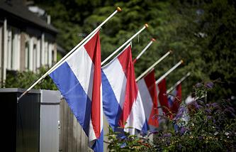 В Нидерландах приспустили государственные флаги