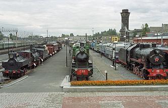 Музей железнодорожной техники под открытым небом на платформах бывшего Варшавского вокзала
