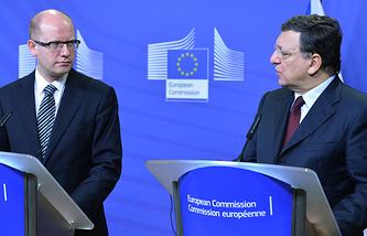 Премьер-министр Чехии Богуслав Соботка и глава Еврокомиссии Жозе Мануэль Баррозу