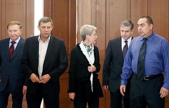 Леонид Кучма, Александр Захарченко, Адельхейд Тальявини,  Михаил Зурабов и ЛНР Игорь Плотницкий (слева направо)