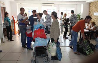 Беженцы с Украины в центре временного размещения в Томске. Архив