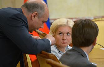 Министр финансов РФ Антон Силуанов и вице-премьер РФ Ольга Голодец