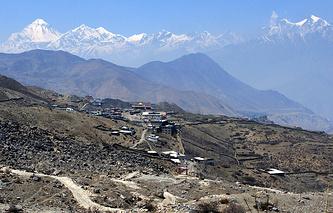 Вид на поселок Муктинатх, Мустанг, Непал