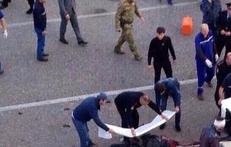 На месте взрыва в Грозном, 5 октября 2014 года