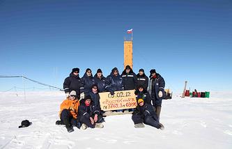 Российские ученые, проводившие работы на подледном озере Восток в 2012 году
