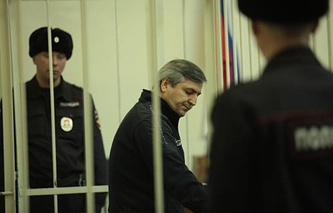 Юрий Гамбург в зале суда