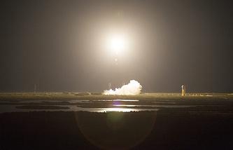 Запуск ракеты-носителя Atlas 5 со спутником связи с мыса Канаверал