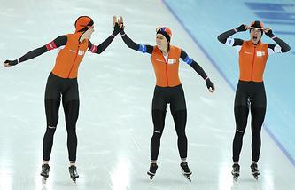 голландские конькобежки