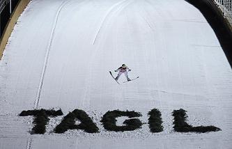 Спортсмен в индивидуальных соревнованиях на российском этапе Кубка мира по прыжкам на лыжах с трамплина