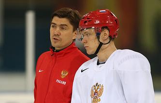 Игорь Никитин (слева)