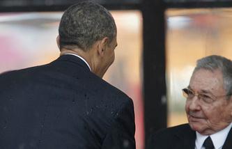 Барак Обама и Рауль Кастро. Декабрь 2013 года