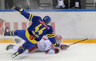Эпизод из матча Россия - Швеция