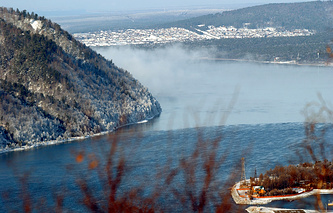Озеро Байкал в районе истока реки Ангара
