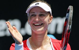 Екатерина Макарова празднует победу над Каролиной Плишковой