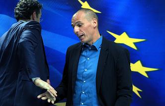 Глава Еврогруппы Йерун Дейсселблум и министр финансов Греции Янис Варуфакис