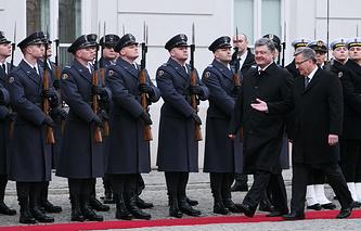 Президент Польши Бронислав Коморовский и президент Украины Петр Порошенко