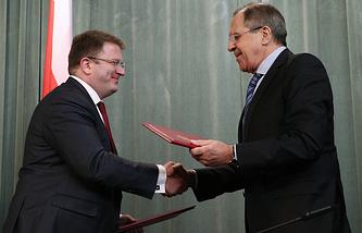 Министр иностранных дел Южной Осетии Давид Санакоев и министр иностранных дел России Сергей Лавров