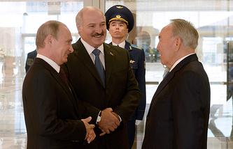 Владимир Путин, Александр Лукашенко и Нурсултан Назарбаев во время встречи в Минске в августе 2014 года